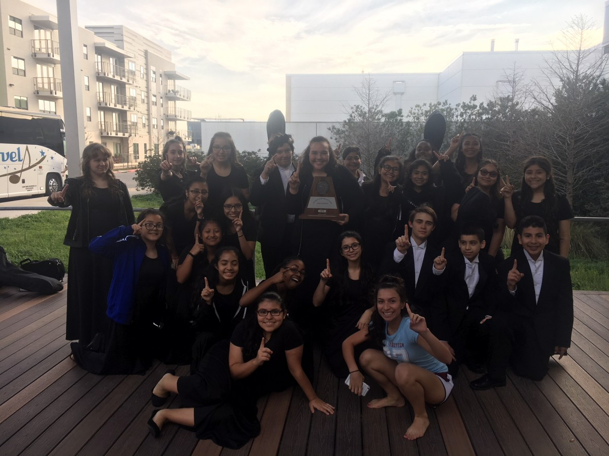 photo of Bedichek orchestra with UIL trophy